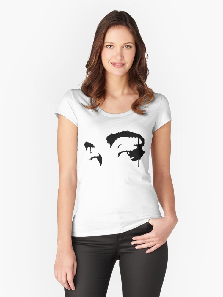 Eyes on me Women's Fitted Scoop T-Shirt Front