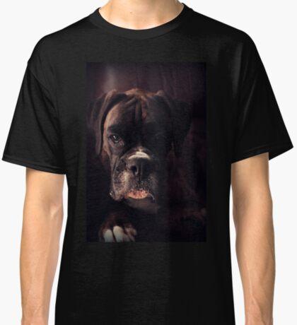 Porträt eines weiblichen Boxers - Boxer Dogs Series Classic T-Shirt