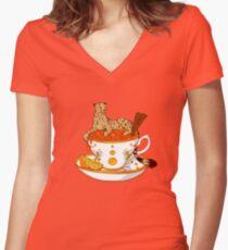 Orangen- und Zimttee Shirt mit V-Ausschnitt