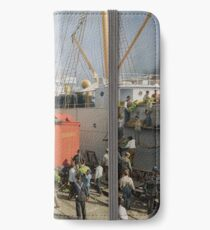 Unloading bananas from steamer, New Orleans ca 1900 iPhone Wallet/Case/Skin