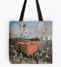 Unloading bananas from steamer, New Orleans ca 1900 Tote Bag