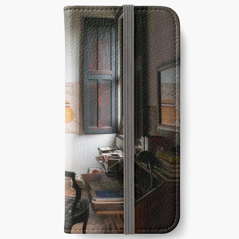 87 iPhone Flip-Case