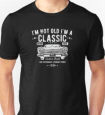 80th Birthday Funny Design - Im Not Old Im A Classic Custom Built 1939 Unisex T-Shirt