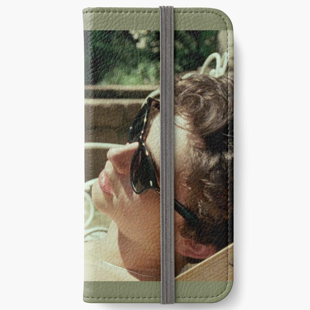 103 iPhone Flip-Case