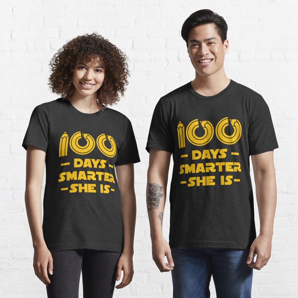 100 Days Smarter She Is - 100 Days Of School Gift Essential T-Shirt