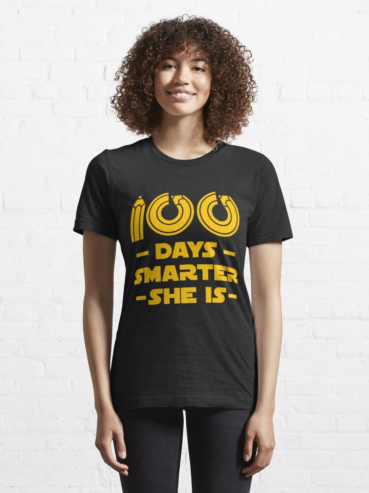 Alternative Ansicht von 100 Days Smarter She Is - 100 Days Of School Gift Essential T-Shirt