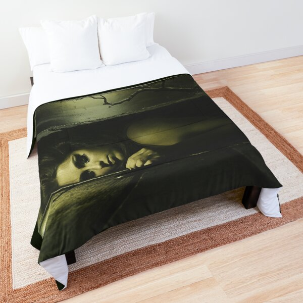 Forever lost Comforter