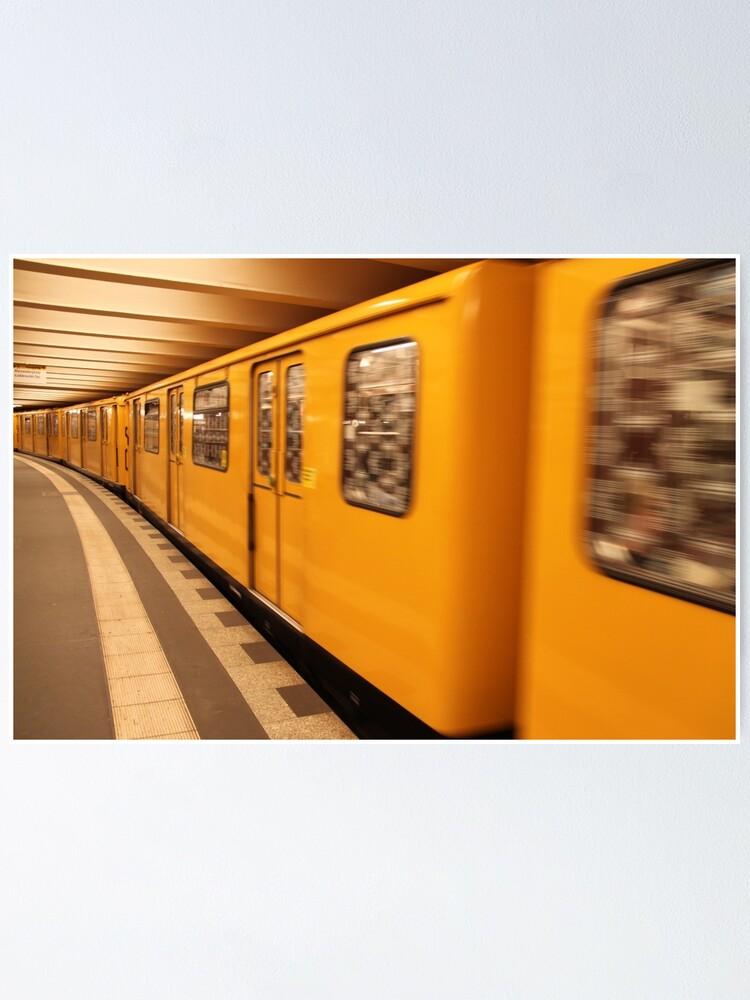 Alternate view of Gelb Bahn Poster