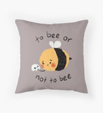 beelliam shakesbee Throw Pillow