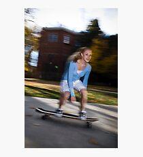 a teenage girl on a skateboard Fotodruck