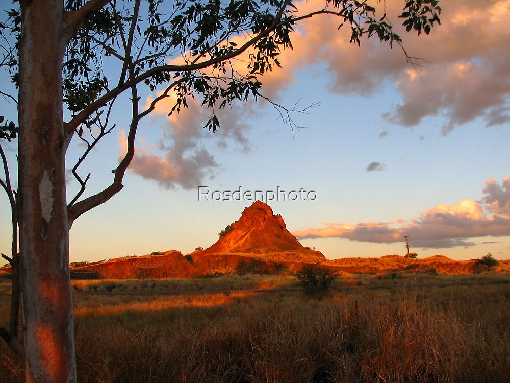 Cloncurry Pyramid - Queensland by Rosdenphoto