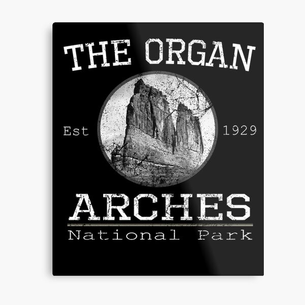 The Organ Sandstone Tower, Courthouse Towers Arches National Park Metal Print