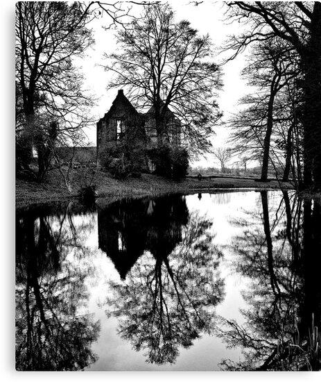 Minister Lovell Hall by Desmond  Brambley