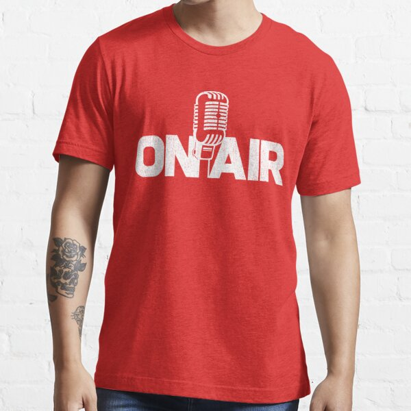 Auf Air Podcaster DJ Radio Stimme über Mikrofon T-Shirt Essential T-Shirt
