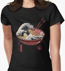 Große Ramenwelle Tailliertes T-Shirt für Frauen