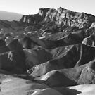 Badlands panorama (b&w) by zumi