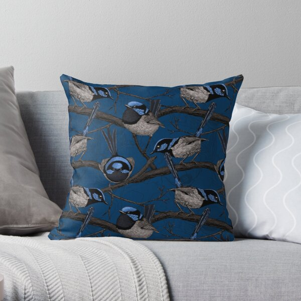 Night fairy wrens Throw Pillow