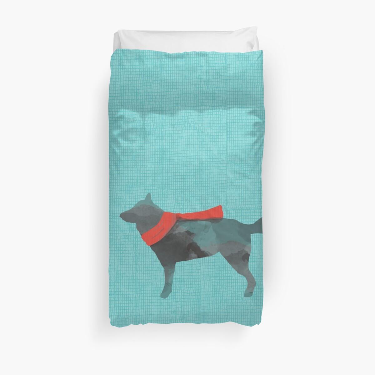 «Perro en bufanda roja» de Heatherandhare
