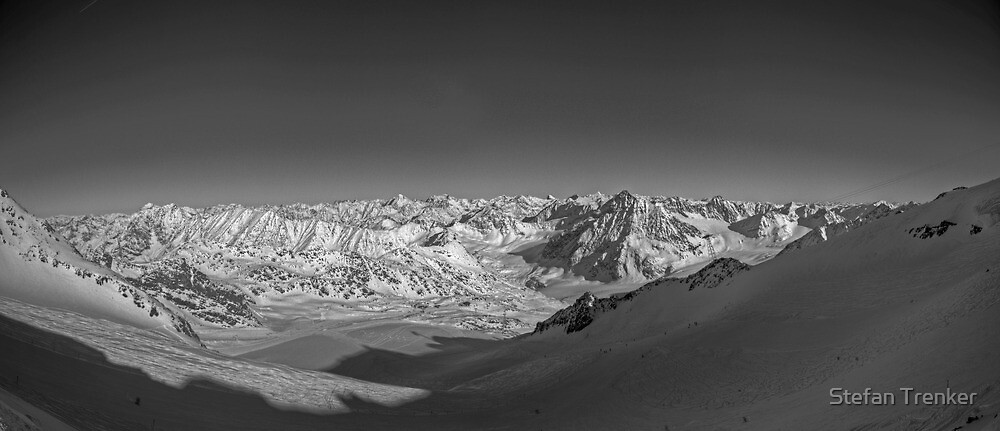 towards the mountains by Stefan Trenker