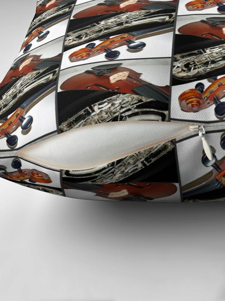 Alternative Ansicht von Violin and Saxophone Collage Bodenkissen