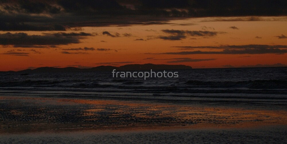 Waves at Night by Franco De Luca Calce