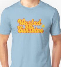 Auf Sonnenschein verschwendet Unisex T-Shirt