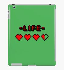 8-bit gamer lifebar iPad Case/Skin