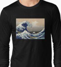 'The Great Wave Off Kanagawa' by Katsushika Hokusai (Reproduction) Long Sleeve T-Shirt