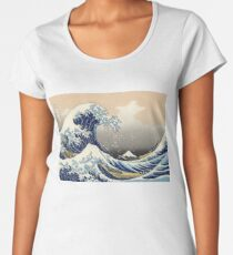 'The Great Wave Off Kanagawa' by Katsushika Hokusai (Reproduction) Women's Premium T-Shirt