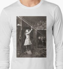 Striking Historical Photo That Bring the Past to Life #HistoricalPhoto #Historical #Photo #vintage #clothing, #people, #adult, #group, #child, #vertical, #brown, #photography, #clothing, #women, #men Long Sleeve T-Shirt