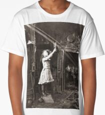 Striking Historical Photo That Bring the Past to Life #HistoricalPhoto #Historical #Photo #vintage #clothing, #people, #adult, #group, #child, #vertical, #brown, #photography, #clothing, #women, #men Long T-Shirt