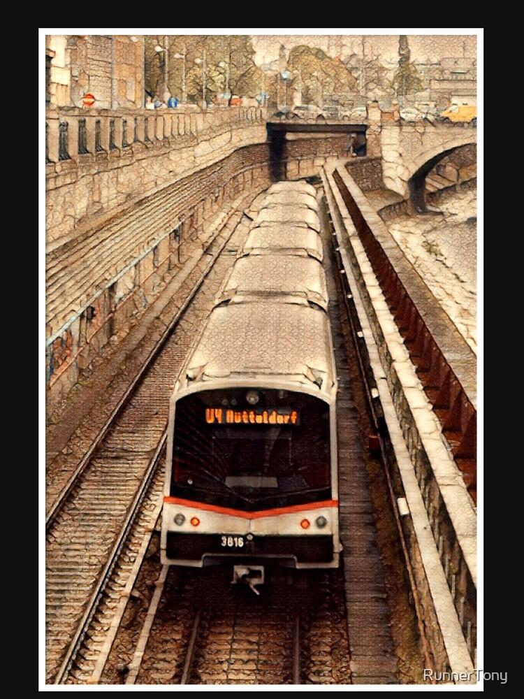 Vienna Train V3 (w. border frame) by RunnerTony