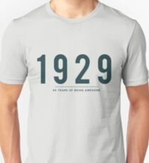 90th Birthday gift - 1929, 90 Years of Being Awesome Unisex T-Shirt