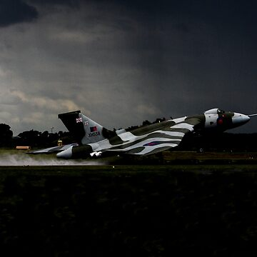 Vulcan XH558 launching by captureasecond
