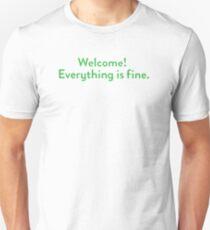 Herzlich willkommen! Alles ist gut. Slim Fit T-Shirt
