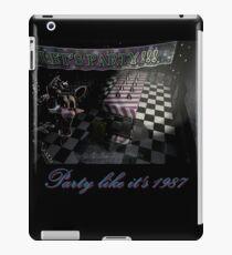 Fünf Nächte in Freddys 2: Party wie es ist 1987 (Feat. Mangle) iPad-Hülle & Klebefolie