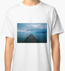 Looking to infinity Classic T-Shirt