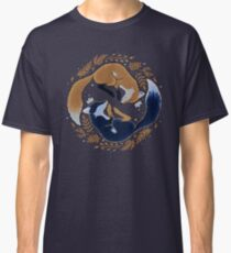 Night foxes Classic T-Shirt