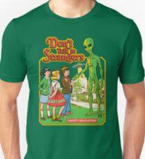 Camiseta unisex No hables con extraños