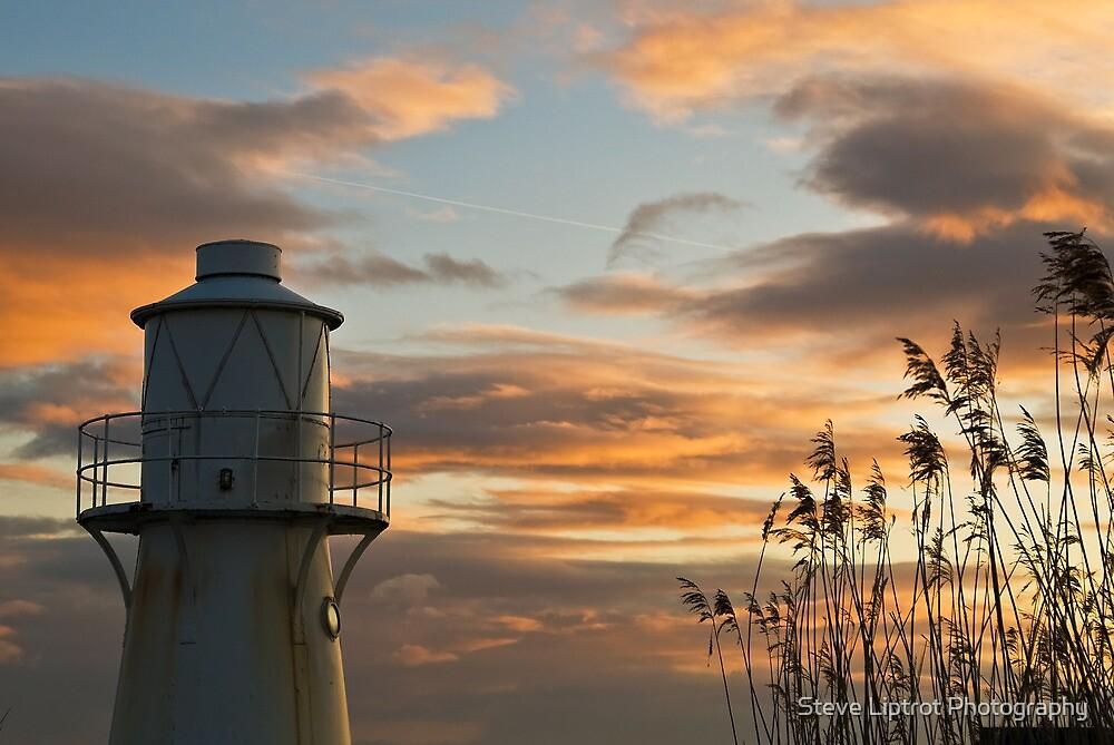 East Usk Lighthouse by Stephen Liptrot