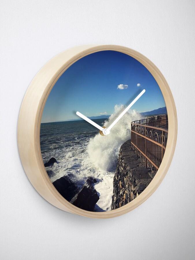 Alternate view of Foto onde mare Genoa - Photo waves sea Genoa Clock
