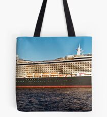 "Cunard Queen Victoria - Sydney Harbour - 30"" x 10"" Panorama Tote Bag"