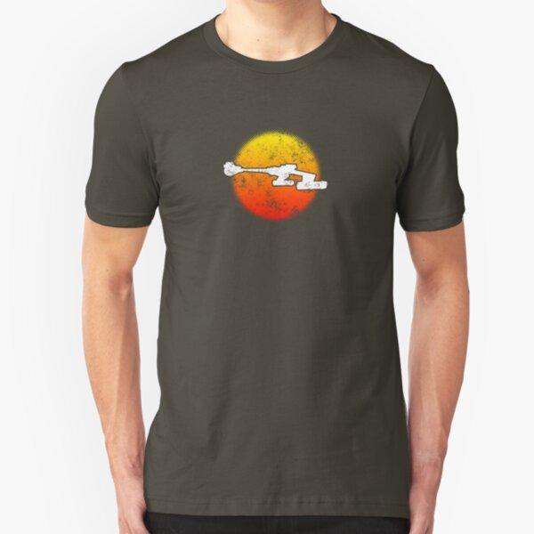 Star Empire Battle Cruiser D7 Flyby - Dark Slim Fit T-Shirt