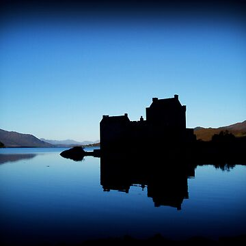 Eilean Donan Castle at Dawn by Pavatron