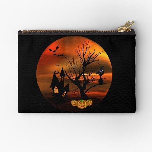 Halloween Katze mit Zauberhut in einem blattlosen Baum, leuchtende Kürbisse, Fledermäuse und eine alte Villa Täschchen