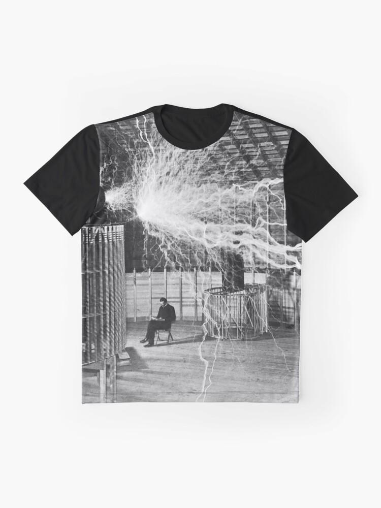 Alternative Ansicht von Nikola Tesla mit seiner Ausrüstung (17. Juni 1901) Grafik T-Shirt