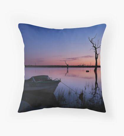 DO 952 Lake Fyans, Grampians Throw Pillow