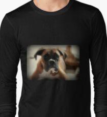Gesicht der Unschuld ~ Boxer-Hundeserie Langarmshirt