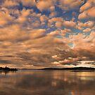 Dawn at Lake Taupo by bazcelt