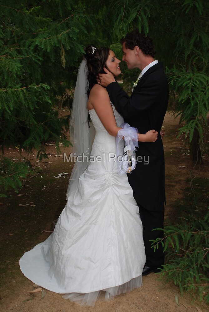 Newly Wed  by KeepsakesPhotography Michael Rowley